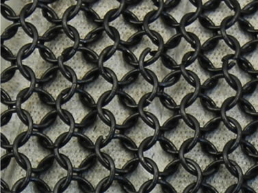 Many pieces of black round metal rings are connected together.